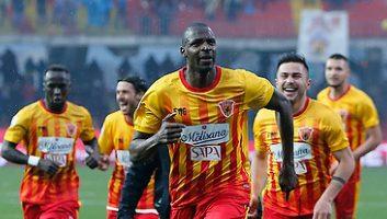 Benevento  3 - 2  Crotone