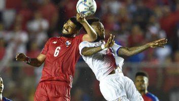 Panama  2 - 1  Costa Rica
