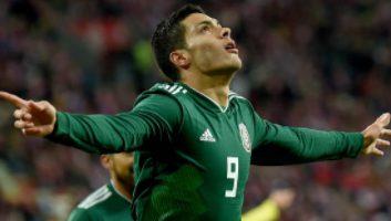 Poland  0 - 1  Mexico