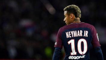 Paris Saint Germain  2 - 0  Lyon