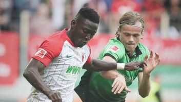 Augsburg  1 - 2  Hannover 96