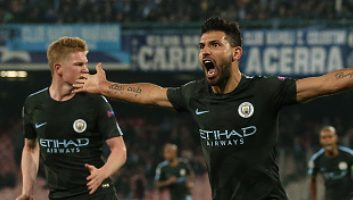 SSC Napoli  2 - 4  Manchester City