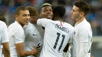 Russia  1 - 3  France