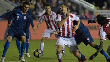 USA  1 - 0  Paraguay