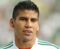 Fulham have bolstered their defence with the signing of Mexican international defender Carlos Salcido