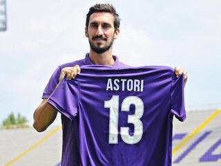 Fiorentina have officially completed the signature of Davide Astori from Cagliari on loan with an obligation to buy.