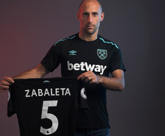 West Ham United have completed a free transfer of Pablo Zabaleta from Manchester City.