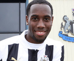 Newcastle United have completed the signing of Holland international Vurnon Anito from Ajax.