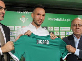 Real Betis have completed the signing of Didier Digard from Nice on a free transfer.