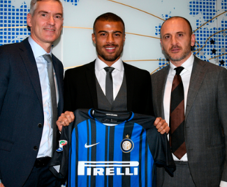 Inter Milan have signed Barcelona midfielder Rafinha on loan until the end of the season, with an option to buy the Brazil international for 35 million euros (£30.6m).