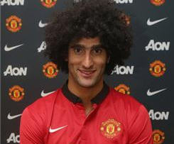 Manchester United signed Everton midfielder Marouane Fellaini for £27.5m late on transfer deadline day.