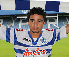 Manchester United's Fabio Da Silva has joined QPR on a season-long loan deal.