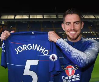Chelsea have confirmed the signing of Jorginho, following his former Napoli manager Maurizio Sarri to London.