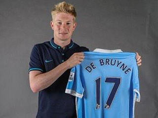 Manchester City sign midfielder Kevin de Bruyne from Wolfsburg on a six-year contract for a club-record fee of £54 million.