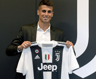 Juventus have completed the signing of Portugal full-back Joao Cancelo from Valencia for a fee of €40 million, which will be paid in three installments.