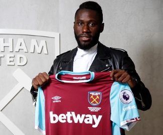 West Ham have signed French left-back Arthur Masuaku from Olympiakos on a four-year deal.