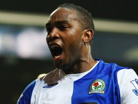 Benni McCarthy seals move to West Ham United