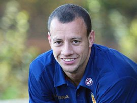 Alan Hutton joins Sunderland on loan until end of season
