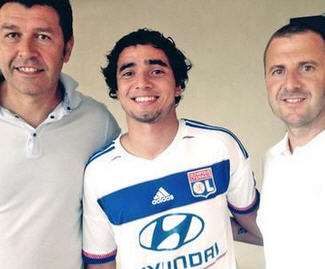Rafael da Silva joins French club Lyon from Manchester United on a four-year contract.
