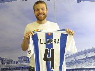 Real Sociedad have completed the signing of Spanish midfielder Asier Illarramendi from Real Madrid.