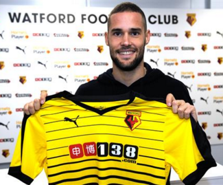 Watford have confirmed the signing of Fiorentina midfielder Mario Suarez for £4million.