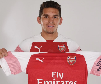 Arsenal have completed the signing of Uruguay midfielder Lucas Torreira from Sampdoria.