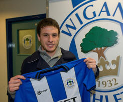Angelo Henriquez joins Wigan on loan from Manchester united.