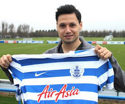 West Ham striker Mauro Zarate completes loan move to QPR for rest of the season.