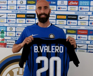 Inter Milan have completed the signing of Borja Valero from Fiorentina on a three-year contract.