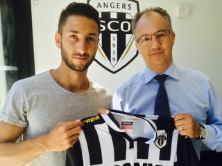 French defender Yoann Andreu transfers from GFCO Ajaccio to Angers SCO on a free transfer.