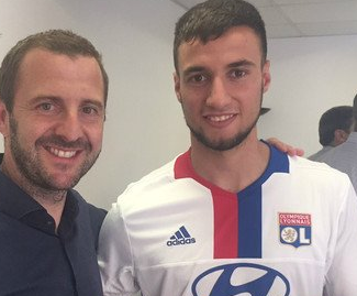 Emanuel Mammana has completed his transfer from River Plate to Lyon, signing a contract until June 2021 with his new club.