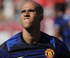 Newcastle United have completed the signing of winger Gabriel Obertan on a five-year contract from Manchester United