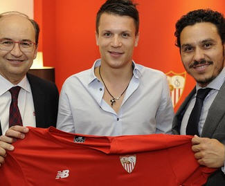 Sevilla have confirmed they have completed the free transfer of Ukrainian superstar Yevhen Konoplyanka from Dnipro.