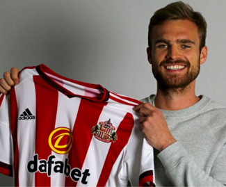 Sunderland have completed the signing of centre-back Jan Kirchhoff from Bayern Munich.