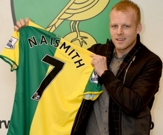 Norwich City have completed the signing of forward Steven Naismith from Everton on a three-and-a-half-year deal.