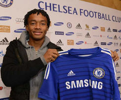 Chelsea have signed Fiorentina winger Juan Cuadrado for an initial fee of £23.3m