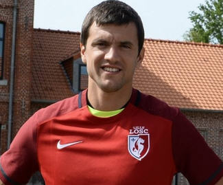 Lille confirm the arrival of Renato Civelli on a free transfer from Bursaspor on a one year deal.