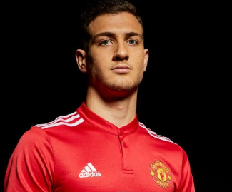 Manchester United have signed Porto right-back Diogo Dalot for a fee of around £19million.