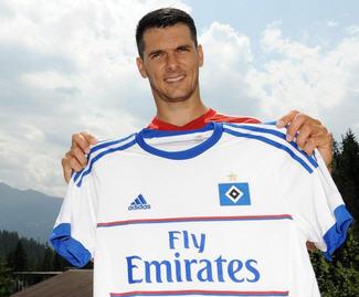Hamburger SV announced the signing of Emir Spahic from Bayer Leverkusen.