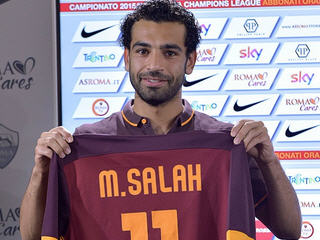Mohamed Salah has joined Roma on a season-long loan, with the Italian club given an option to buy the player at any point in the season.