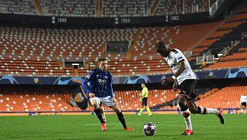 Valencia  3 - 4  Atalanta