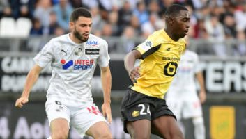 Amiens  1 - 0  Lille