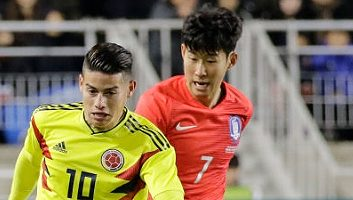 South Korea  2 - 1  Colombia