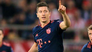 Olympiacos  2 - 3  Bayern Munich
