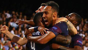 Valencia  2 - 4  Arsenal