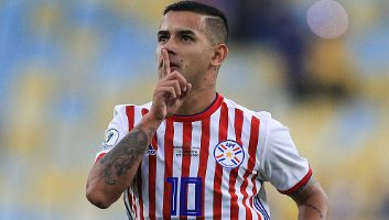 Paraguay  2 - 2  Qatar