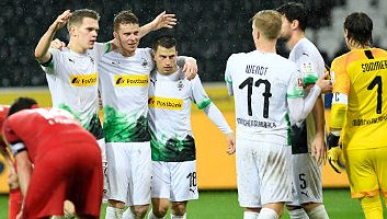 Borussia M'gladbach  2 - 1  FC Koeln