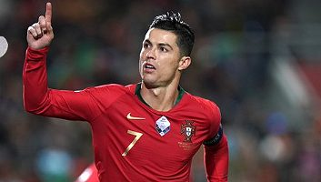 Portugal  6 - 0  Lithuania