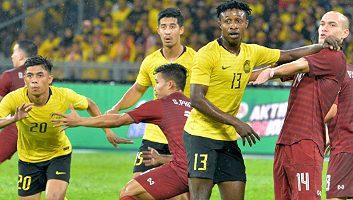 Malaysia  2 - 1  Thailand