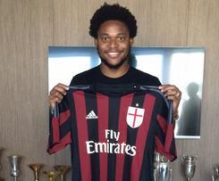 Luiz Adriano joins AC Milan from Shakhtar Donetsk